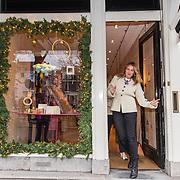 NL/Amsterdam/20201124 - Zusjes van Lexmond openen pop-up store, Lieke van Lexmond