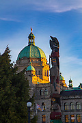 totem Pole, Parliment Building, Victoria, Harbor, Vancouver Island, Brithish Columbia, Canada