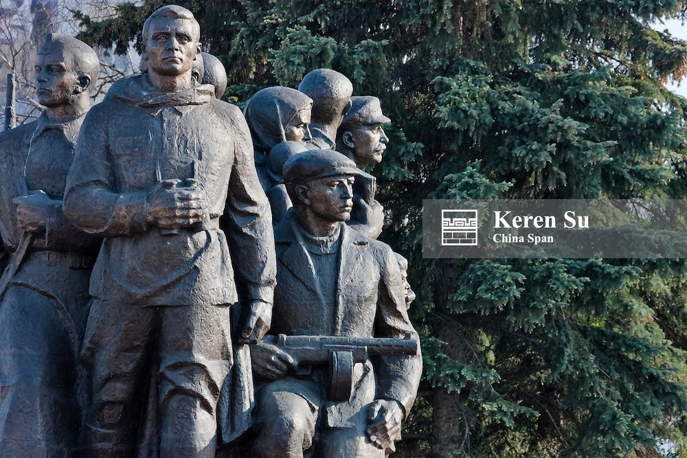 Statue of soldiers, WWII memorial in Victory Square, Vitebsk, Belarus