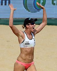 18-07-2014 NED: FIVB Grand Slam Beach Volleybal, Scheveningen<br /> Knock out fase - Louise Bawden AUS