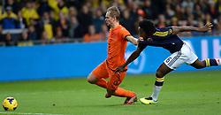 19-11-2013 VOETBAL: NEDERLAND - COLOMBIA: AMSTERDAM<br /> Nederland speelt met 0-0 gelijk tegen Colombia / Siem de Jong, Carlos Sanchez <br /> ©2013-FotoHoogendoorn.nl