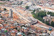 Belo Horizonte_MG, Brasil...Obras de duplicacao da Avenida Antonio Carlos, na cidade de Belo Horizonte, Minas Gerais, as obras fazem parte do projeto Linha Verde...The works to turn a dual-carriage-way in the Antonio Carlos avenue, Belo Horizonte, Minas Gerais. This works are part of Linha Verde project...Foto: BRUNO MAGALHAES / NITRO
