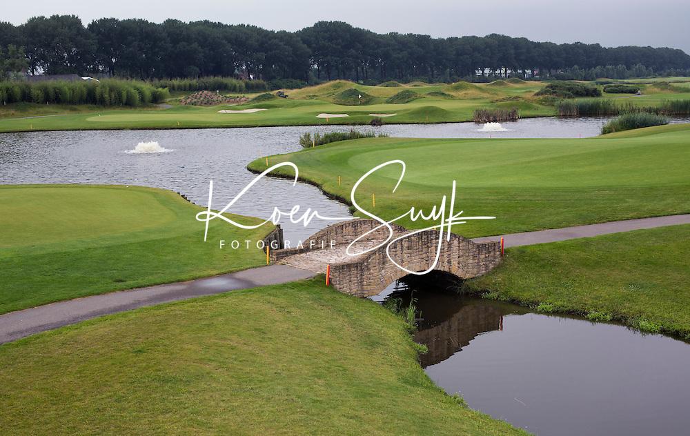 SPIJK - Hole 18 van The Dutch .   Golfbaan THE DUTCH, waar het KLM Open in september 2016 zal worden gehouden. COPYRIGHT KOEN SUYK