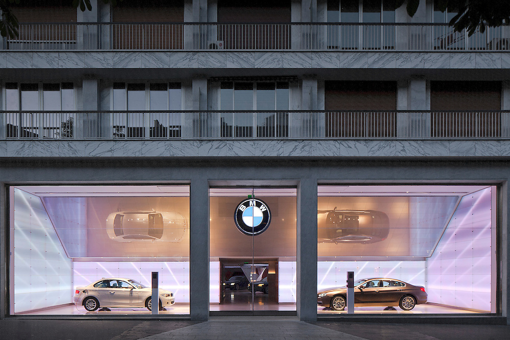 BMW showroom paris
