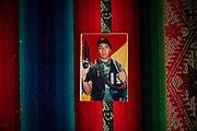 Jonathan Arancibia, activista y parte de la comunidad LGBTI, con diagnóstico público de VIH+ y en los pasados meses dio positivo a COVID-19, actualmente ya recuperado, en la fotografia se lo puede ver con un traje y elementos de combate, este tipo de fotografias se les toma a los jovenes en Bolivia cuando terminan el servicio militar.