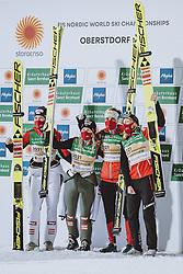 26.02.2021, Oberstdorf, GER, FIS Weltmeisterschaften Ski Nordisch, Oberstdorf 2021, Damen, Skisprung, HS106, Teambewerb, im Bild Daniela Iraschko-Stolz (AUT), Sophie Sorschag (AUT), Chiara Hoelzl (AUT), Marita Kramer (AUT) // Daniela Iraschko-Stolz of Austria Sophie Sorschag of Austria Chiara Hoelzl of Austria Marita Kramer of Austria during women ski Jumping HS106 Team Competition of FIS Nordic Ski World Championships 2021. Oberstdorf, Germany on 2021/02/26. EXPA Pictures © 2021, PhotoCredit: EXPA/ JFK