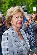 80e verjaardag van Prof. mr. Pieter van Vollenhoven in theater Figi in Zeist<br /> <br /> 80th birthday of Prof. dr. Pieter van Vollenhoven in the Figi theater in Zeist<br /> <br /> Op de foto / On the photo:   Neelie Kroes