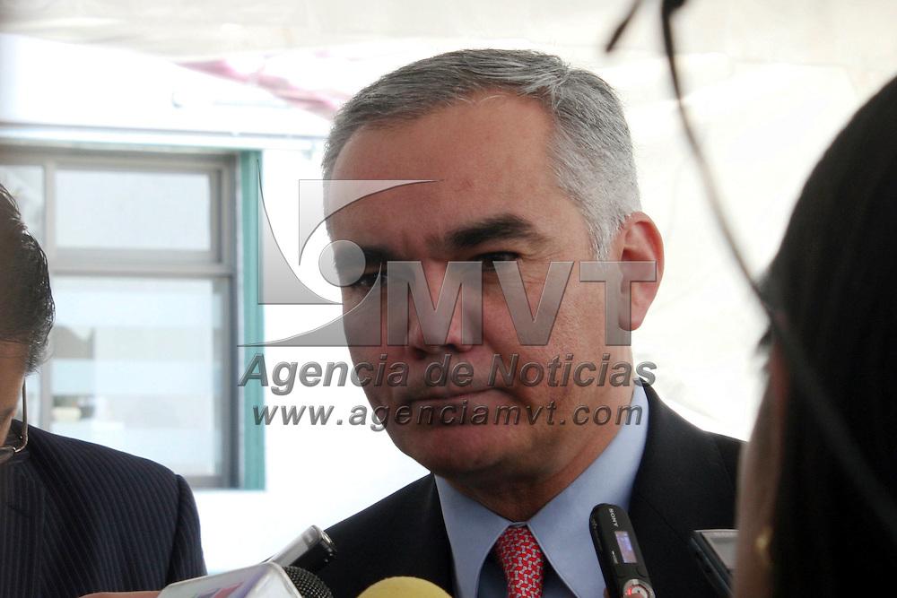 Toluca, Mexico.- Gabriel Oshea Cuevas, Secretario de Salud puso en marcha la semana nacional de higiene bucal en el ISEM. Agencia MVT / Jose Hernandez. (DIGITAL)