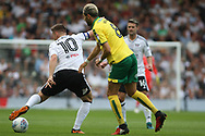 Fulham Midfielder Tom Cairney (L) takes on Norwich City Midfielder Mario Vrancic (R). EFL Skybet football league championship match, Fulham  v Norwich city at Craven Cottage in London on Saturday 5th August 2017.<br /> pic by Steffan Bowen, Andrew Orchard sports photography.