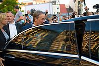 Erfurt, 03.09.2021: Nach einer Wahlkampfveranstaltung der CDU auf dem Anger in Erfurt steigt Armin Laschet, Kanzlerkandidat und CDU-Bundesvorsitzender, in seinen Dienstwagen ein.