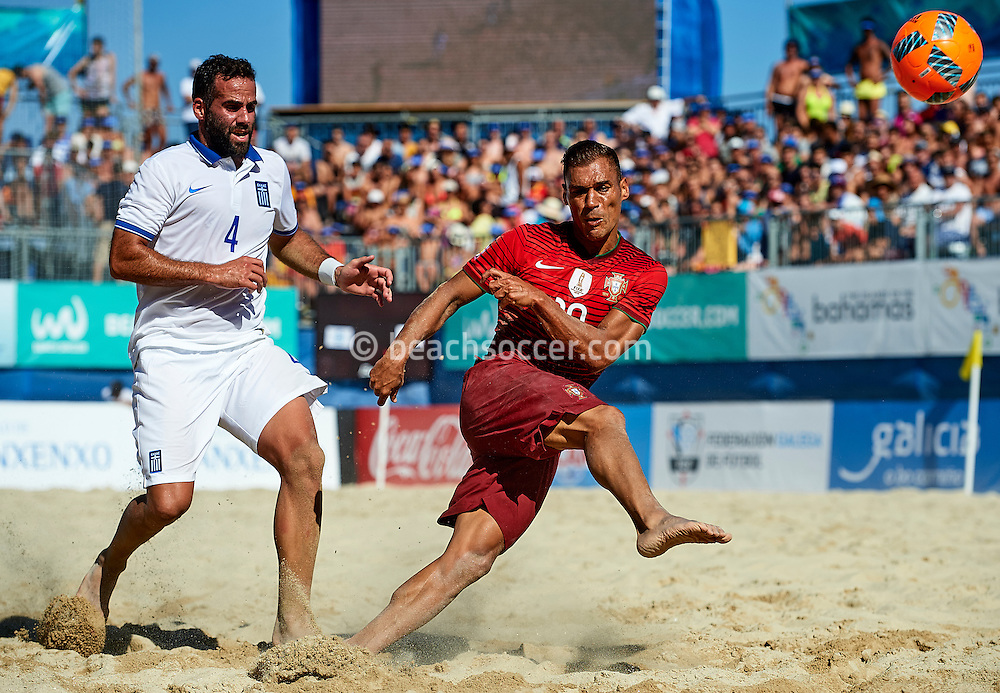 Portugal's Belchior in action against Greece during the Euro Beach Soccer League 2016 in Sanxenxo. (Photo by Manuel Queimadelos)
