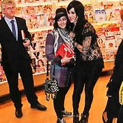 NLD/Amsterdam/20101130 - Signeersessie Kat von D.,
