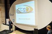Het Human Power Team Delft en Amsterdam presenteert het ontwerp van de nieuwe fiets, de VeloX3.<br /> <br /> The Human Power Team Delft and Amsterdam are presenting the design of the new bike, the VeloX3
