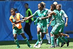 25.07.2010,  Augsburg, GER, FIFA U20 Womens Worldcup, , Viertelfinale, USA vs Nigeria,  im Bild Uchechi SUNDAY (Nigeria #19) wird von Teamkoleginnen zur¸ckgehalten , EXPA Pictures © 2010, PhotoCredit: EXPA/ nph/ . Straubmeier+++++ ATTENTION - OUT OF GER +++++ / SPORTIDA PHOTO AGENCY