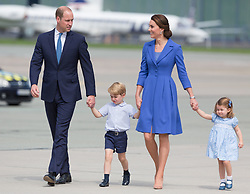 July 19, 2017 - Warsaw, Masovian, Poland - Prince William, Duke of Cambridge and Catherine Duchess of Cambridge with their chlidren (daughter Princess Charlottet and son Prince George) before departure from Chopin Airport in Warsaw, Poland on 19 July 2017  (Credit Image: © Mateusz Wlodarczyk/NurPhoto via ZUMA Press)
