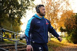 Simon Kerrod and the rest of the Worcester Warriors team arrive at Allianz Park - Mandatory byline: Patrick Khachfe/JMP - 07966 386802 - 11/11/2018 - RUGBY UNION - Allianz Park - London, England - Saracens v Worcester Warriors - Premiership Rugby Cup