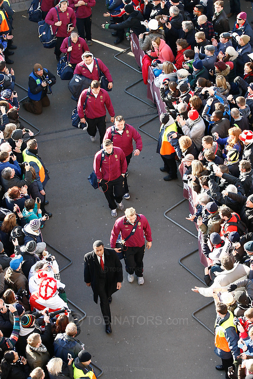 Picture by Andrew Tobin/SLIK images +44 7710 761829. 2nd December 2012. Chris Robshaw leads the England team into Twickenham before the QBE Internationals match between England and the New Zealand All Blacks at Twickenham Stadium, London, England. England won the game 38-21.
