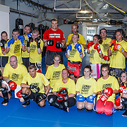 NLD/Amsterdam\/20131025 -Kickboxclinic van Sem Schilt, groepsfoto