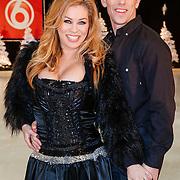 NLD/Utrecht/20121218 - Perspresentatie Sterren Dansen op het IJs 2013, Antje Monteiro en schaatspartner Ryan Shollert