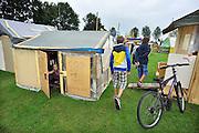 Nederland, Haalderen, 7-8-2011In de grote vakantie, zomervakantie, wordt voor de kinderen een kinderdorp opgezet, ook wel bouwdorp genoemd, door de stichting KIVAC.Foto: Flip Franssen/Hollandse Hoogte