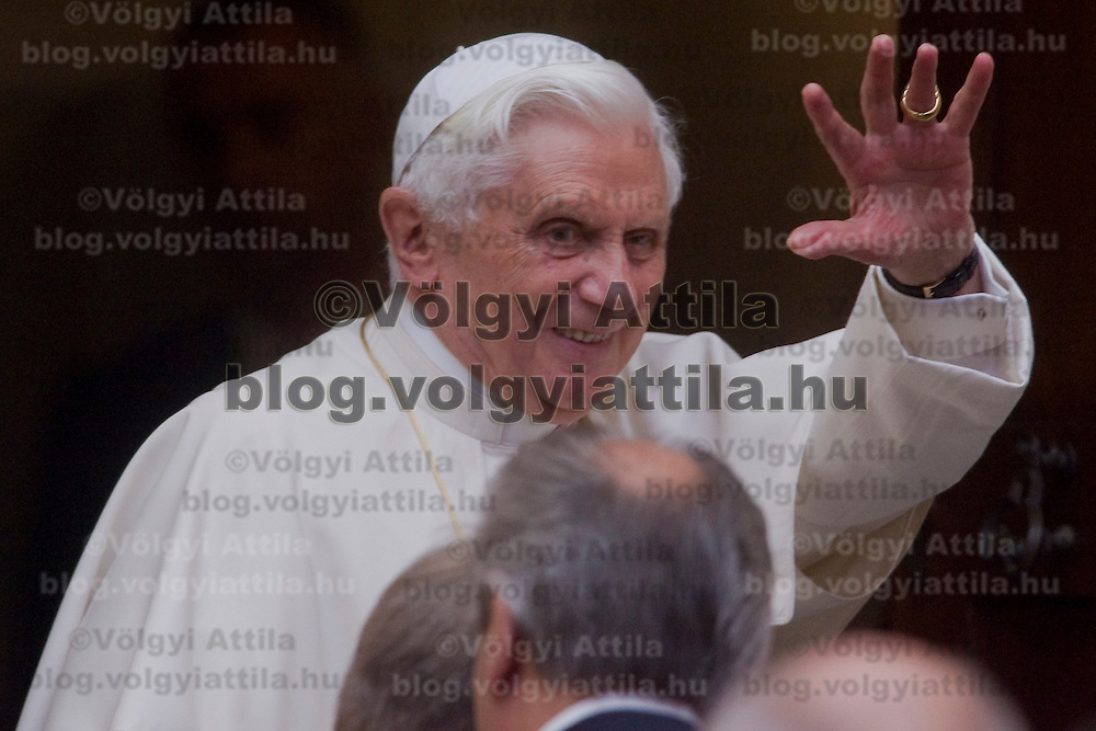 Pope Benedict receives athletes of FINA Swimming World Championships on a special audience in his summer rezidence in Castel Gandolfo, Italy. Friday, 31. July 2009. ATTILA VOLGYI