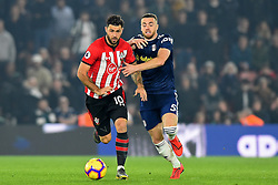 February 27, 2019 - Southampton, England, United Kingdom - Southampton forward Charlie Austin and Fulham defender Calum Chambers battle for the ball during the Premier League match between Southampton and Fulham at St Mary's Stadium, Southampton on Wednesday 27th February 2019. (Credit Image: © Mi News/NurPhoto via ZUMA Press)