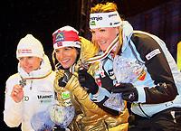 Langrenn<br /> VM 2011 Holmenkollen Norge<br /> 24.02.2011<br /> Foto: Gepa/Digitalsport<br /> NORWAY ONLY<br /> <br /> FIS Nordische Ski Weltmeisterschaften 2011, Holmenkollen, 1,3km Sprint der Damen, Freistil, Siegerehrung, <br /> <br /> Bild zeigt Ariana Follis (ITA), Marit Bjørgen (NOR) und Petra Majdic (SLO).