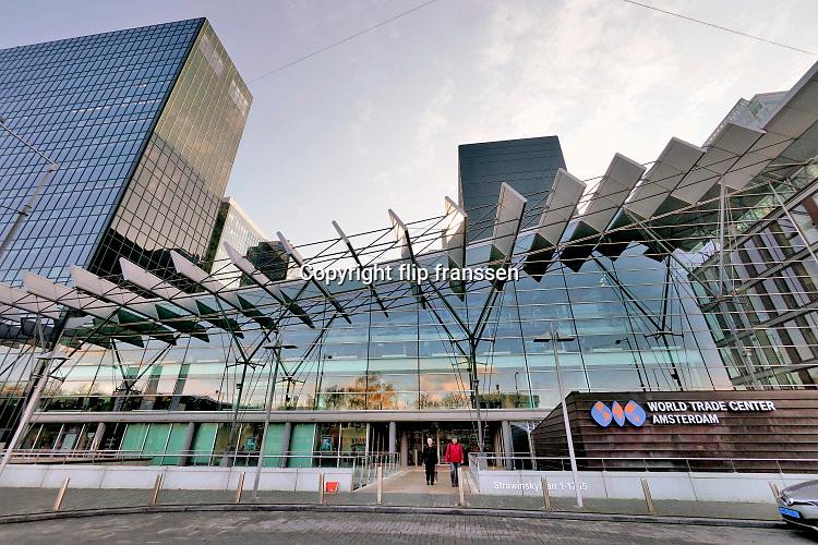 Nederland, Amsterdam, 12-12-2019 Ingang WTC, world trade center . Foto: Flip Franssen