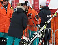 Ski , Audi FIS World Cup 2013/14 ,<br /> Men´s Downhill<br /> Kvitfjell (NOR)<br /> 28.02.14<br /> Foto : Dagfinn Limoseth , Digitalsport<br /> Kjetil Jansrud  , NOR gir kjæresten en god klem