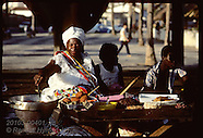 04: BAHIA WOMEN FOOD VENDORS