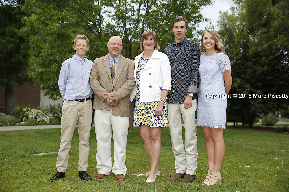 SHOT 6/1/16 6:38:20 PM - Colorado Academy Senior Class portrait in front of the Wellborn House and Class of 2016 Commencement Dinner at the Denver, Co. private school. (Photo by Marc Piscotty / © 2016)