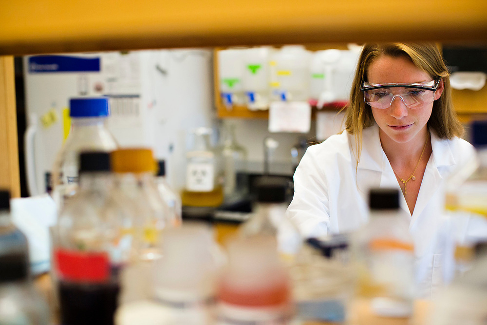 Maddison Morgan in a bio lab at Middlebury College in Vermont