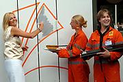 PRINSES MÁXIMA OPENT DE KAMERS <br /> <br /> Hare Koninklijke Hoogheid Prinses Máxima der Nederlanden heeft op maandag 3 september De Kamers, een huis voor cultuur en ontmoeting in Amersfoort-Noord geopend. Na de openingshandeling krijgt de Prinses een rondleiding door het cultuurhuis onder leiding van de architect Mevrouw Mechthild Stuhlmacher. <br /> <br /> PRINCESS MÁXIMA OPENS THE CHAMBERS <br /> <br /> Her royal highness princess Máxima of the Netherlands has opend on  Monday 3 September the chambers, a house for in Amersfoort-Noord that wil be used for culture and meeting. After the opening operation the princess gets a guided tour by the culture house under the guidance of the architect Ms Mechthild Stuhlmacher.