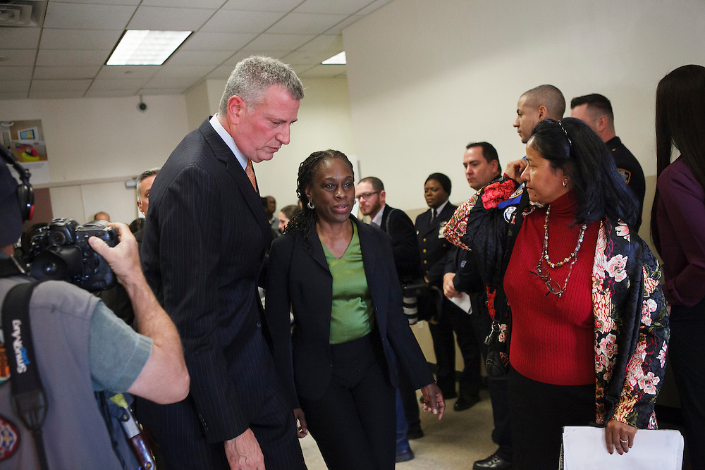 Mayor Bill de Blasio and First Lady Chirlane McCray leave after speaking at the groundbreaking of the Staten Island Family Justice Center, 126 Stuyvesant Place, Staten Island, NY on Monday, Oct. 5, 2015.<br /> <br /> Andrew Hinderaker for The Wall Street Journal<br /> NYSTANDALONE