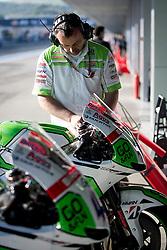 02.05.2014, Circuito de Jerez, Jerez de la Frontera, ESP, MotoGP, Grosser Preis von Spanien, Testfahrten, im Bild Techniker <br /> <br /> <br /> <br /> POLAND, UK AND GERMANY OUT !!!<br /> ---<br /> Newspix.pl // Techniker <br /> <br /> <br /> <br /> POLAND, UK AND GERMANY OUT !!!<br /> ---<br /> Newspix.pl during a test ride of Moto GP Grand Prix of Spain at the Circuito de Jerez in Jerez de la Frontera, Spain on 2014/05/02. EXPA Pictures © 2014, PhotoCredit: EXPA/ Newspix/ DyD Fotografos<br /> <br /> *****ATTENTION - for AUT, SLO, CRO, SRB, BIH, MAZ, TUR, SUI, SWE only*****