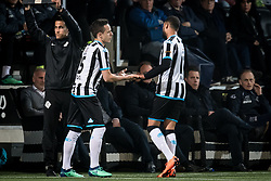 (L-R) Jaroslav Navratil of Heracles Almelo, Brandley Kuwas of Heracles Almelo during the Dutch Eredivisie match between Heracles Almelo and AZ Alkmaar at Polman stadium on April 13, 2018 in Almelo, The Netherlands