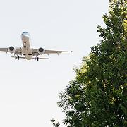 NLD/Amsterdam/20150605 - Vliegtuigen landend op Schiphol