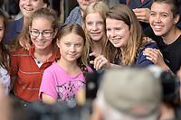 19 JUL 2019, BERLIN/GERMANY:<br /> Greta Thunberg (2.v.L.), Klimaschutzaktivistin aus Schweden, und Luisa-Marie Neubauer (2.v.R.), Klimaschutzaktivistin und führenden Aktivistin der Initiative Fridays for Future , waehrend einer Demonstration von Schuelern und Jugendlichen fuer einen besseren Schutz des Klimas, Invalidenpark<br /> IMAGE: 20190719-01-003<br /> KEYWORDS: Demo, Protest, Klimaschutz, Klimawandel, climate, Schüler