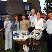 NLD/Huizen/20050923 - Prijsuitreiking Huizerdag wijn en kaas avond in de Kalkovens Huizen