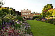 Double herbaceous borders at Newby Hall,<br /> Ripon, Yorkshire, UK