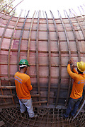 Rondonopolis_MT, Brasil.<br /> <br /> Obras de Saneamento em Rondonopolis, Mato Grosso. Fiscalizacao de obras de implantacao e expansao do sistema de esgoto e abastecimento de agua na cidade.<br /> <br /> Sanitation works in Rondonopolis, Mato Grosso. Surveillance implementation works and expansion of the sewage system and water supply in the city.<br /> <br /> Foto:  LEO DRUMOND / NITRO