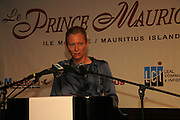 TILDA SWINTON,  LE PRINCE MAURICE PRIZE 2006. PRINCE MAURICE HOTEL. MAURITIUS. 27 May 2006. ONE TIME USE ONLY - DO NOT ARCHIVE  © Copyright Photograph by Dafydd Jones 66 Stockwell Park Rd. London SW9 0DA Tel 020 7733 0108 www.dafjones.com