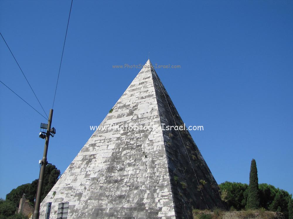 Italy, Rome, Caio Cestio'S Pyramid