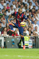25.10.2014, Estadio Santiago Bernabeu, Madrid, ESP, Primera Division, Real Madrid vs FC Barcelona, 9. Runde, im Bild Barcelona´s Dani Alves // during the Spanish Primera Division 9th round match between Real Madrid CF and FC Barcelona at the Estadio Santiago Bernabeu in Madrid, Spain<br /> <br /> ***** NETHERLANDS ONLY *****