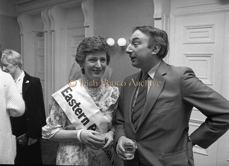 "Calor Kosangas Housewife of the Year - Dublin Regional Final.26/10/1982  26.10.1982..""Calor Kosangas Housewife Of The Year 1982"". Dublin Regional Final..The final was held in the Gresham Hotel,O'Connell St,Dublin. The winner was Mrs.,Deirdre Ryan,Derrypatrick,Drumree,Co Meath..Deirdre poses with author and journalist, Trevor Danker"