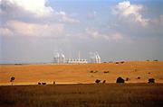 Energiecentrale in landschap van Gauteng provincie, Zuid Afrika