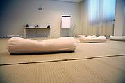 Nederland, Epen, 23-4-2008..Privé afkickkliniek U-center in de heuvels van Limburg. De kliniek werkt samen met het academisch ziekenhuis van de universiteit in Maastricht en is gevestigd in een voormalig hotel. Op de foto de meditatieruimte...Foto: Flip Franssen