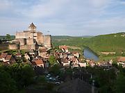 Château de Castelnaud-la-Chapelle and the Dordogne River in Périgord, Dordogne, France