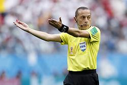 referee Cuneyt Cakõr