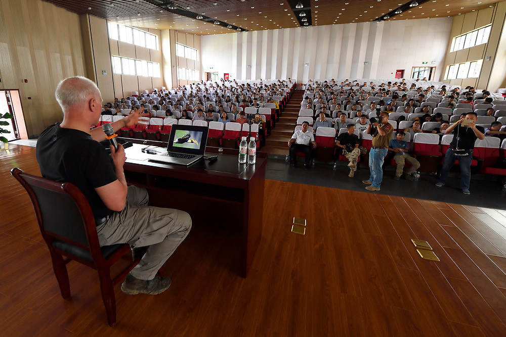 Presentation by Staffan Widstrand at The Teacher's College in Manshi, China